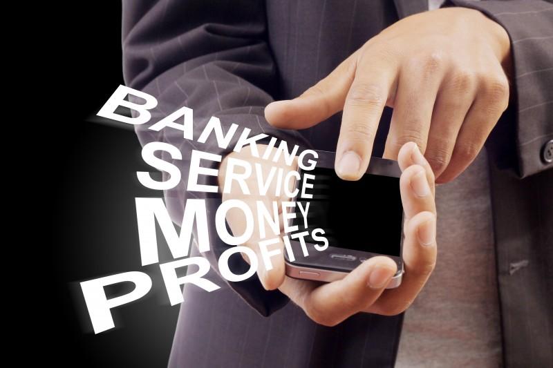 In tre anni raddoppia l'uso del mobile banking