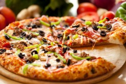 Cibi che danno dipendenza:  pizza, patatine fritte e cioccolato come droghe per il cervello