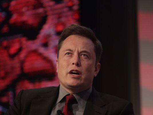 "Elon Musk: ""Nel 2025 Tesla venderà milioni di automobili"""