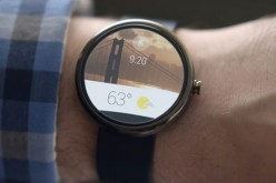 Basta un hack e Android Wear è compatibile con iOS