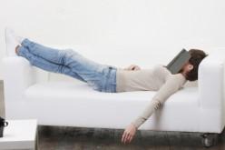 Il pisolino fa bene: basta mezzora di riposo per recuperare il sonno perso