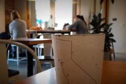 Riciclo, la tazza di caffè d'asporto che diventa una pianta