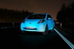Nissan Leaf è la prima auto fluorescente