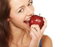 Addio colesterolo, bastano due mele al giorno