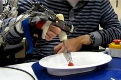 Guanto robotico, esoscheletro aiuta i movimenti ai malati neurologici