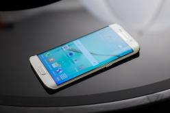 Samsung Galaxy S6: lo smartphone è questione di angoli