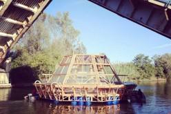 Energia rinnovabile, una serra galleggiante produce cibo per due famiglie