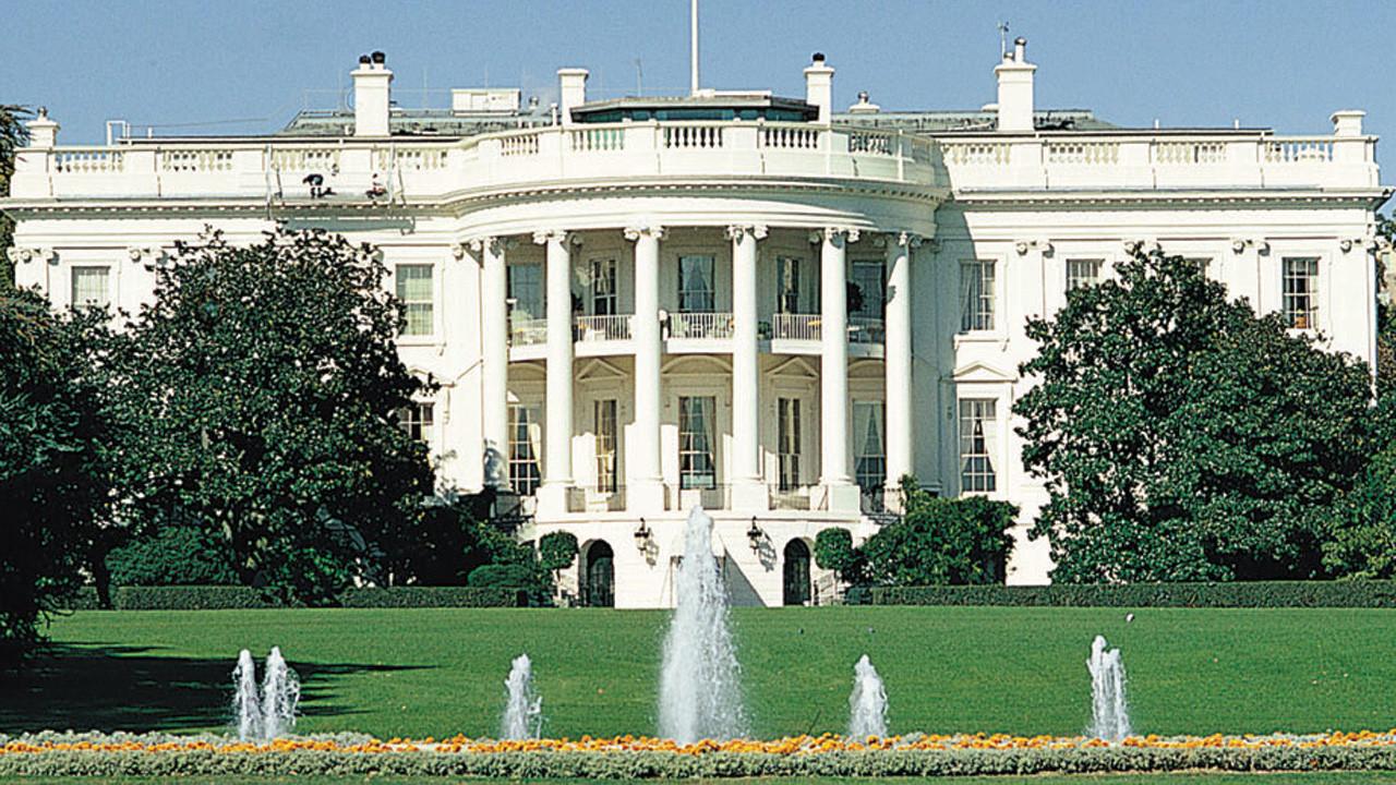 hacker russi violano la Casa Bianca