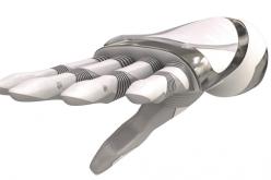 Mano bionica bella come un oggetto di design