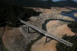 California, siccità storica obbliga al razionamento dell'acqua