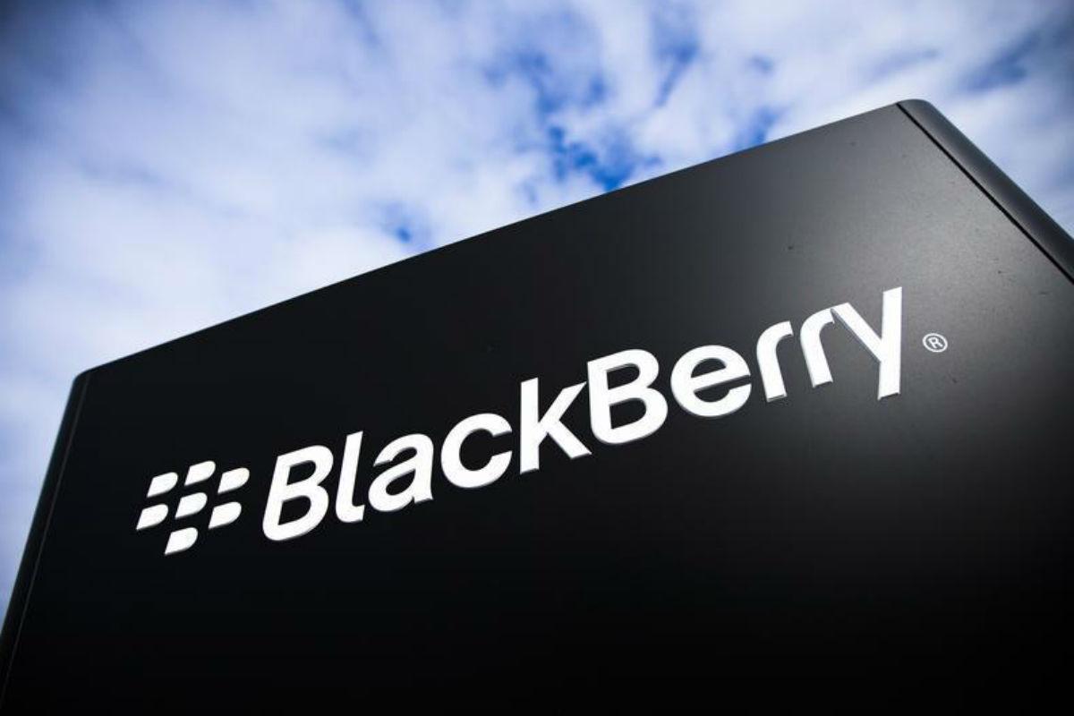 blackberry facebook social network supporto