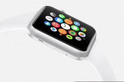 Il nuovo Apple Watch avrà un display P-OLED