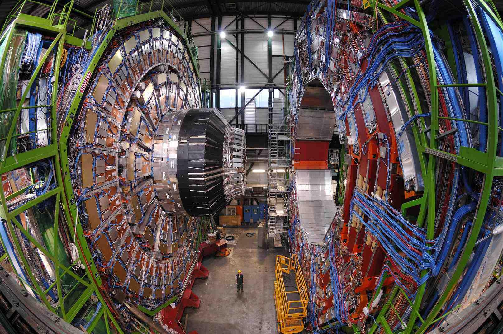 Il CERN abbandona Windows e abbraccia l'open source