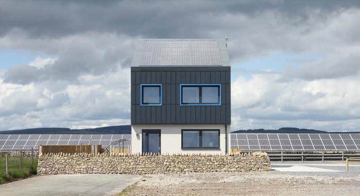 Solcer House, la casa che produce più energia di quanta ne consuma