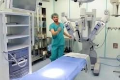 Chirurgia robotica, primo intervento tiroide-timo a Siena