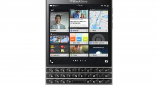 Ecco il BlackBerry Passport Silver Edition