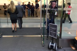 Anche i robot si mettono in fila per iPhone 6S