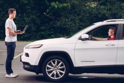 Fiat Chrysler richiama centinaia di auto a rischio hacker