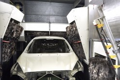Dal laser alle piume: Ford svela il segreto per la verniciatura perfetta