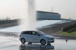 ACI e Mercedes-Benz: un protocollo tecnico di guida sicura ed ecologica per veicoli elettrici