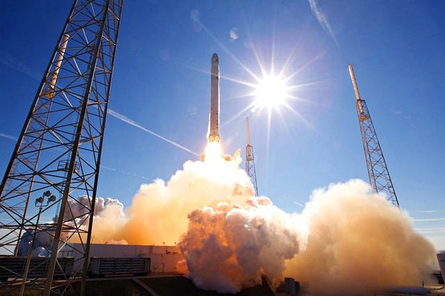 spacex falcon 9 spazio elon musk