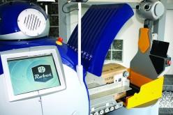 Il robot maggiordomo che assiste gli anziani: test a Firenze