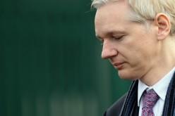 Julian Assange evita l'estradizione (per ora)