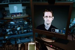 Snowden interviene nella diatriba Apple-FBI