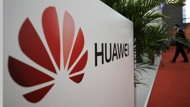 Huawei attacca Apple e Samsung sull'obsolescenza programmata