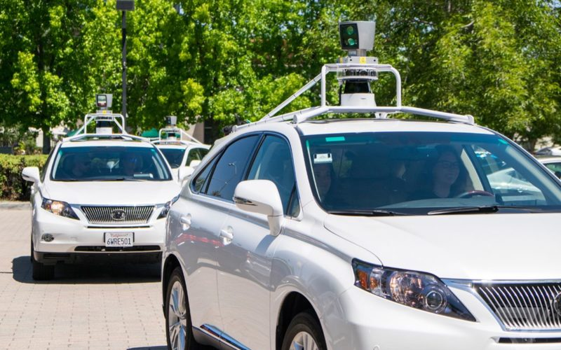 In caso di incidente, le self driving car sceglieranno a chi salvare la vita