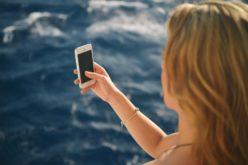 Viaggiare induce nei consumatori comportamenti online più a rischio