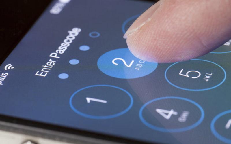 iPhone insicuri: il codice si passa così