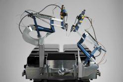 Primato hi-tech, robot chirurgo opera l'occhio di un paziente
