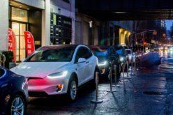 Tesla lancia Autopilot 8.0 per prevenire incidenti mortali