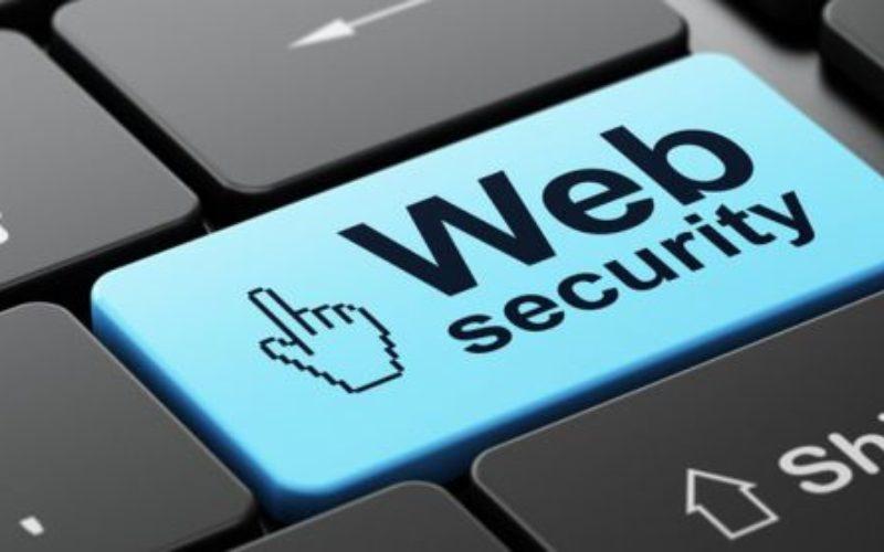 Sicurezza informatica: al via la nuova edizione di 'Vivi internet, al sicuro'
