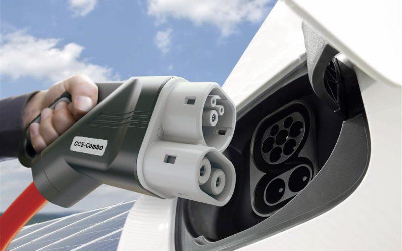 Auto: jv Bmw, Daimler, Ford, Volkswagen per rete di ricariche in Europa