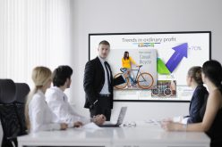 Panasonic lancia la nuova serie di display per il digital signage TH-65EF1