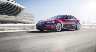 L'autopilota delle Tesla? Ancora più sicuro dell'uomo