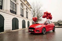 Ford a San Valentino stupisce gli inconsapevoli 'assistenti di Cupido' con una sorpresa romantica