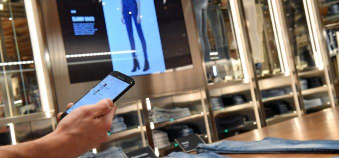 Samsung, il nuovo retail parte dai negozi Diesel