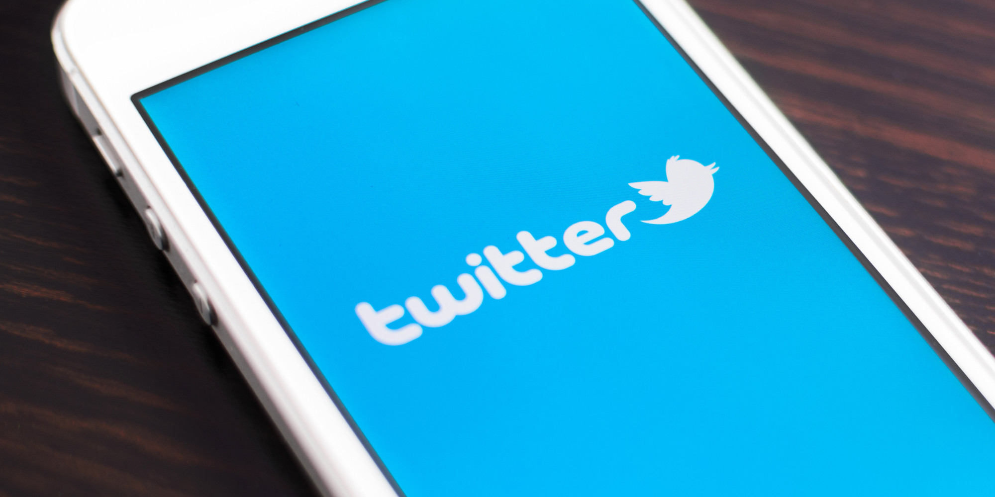 Twitter: nuova funzione per nascondere le risposte