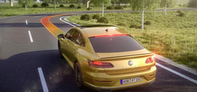 Volkswagen Arteon: gli innovativi sistemi di assistenza alla guida