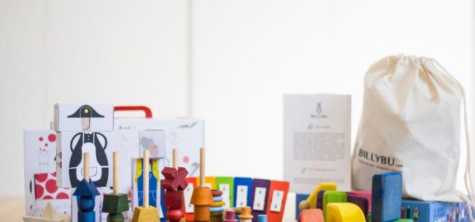 Giochi artigianali e naturali adatti a ogni fase di crescita del bambino. Arriva anche in Italia l'innovativo servizio in abbonamento
