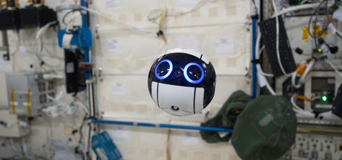 C'è un drone sulla Stazione Spaziale Internazionale