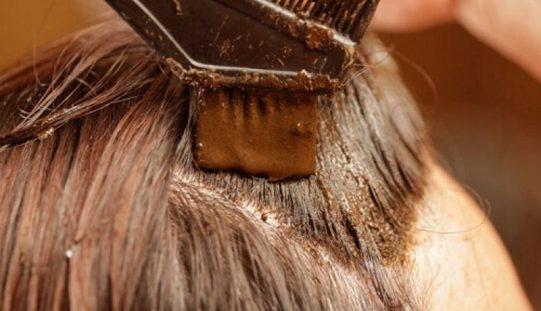 Allarme tinta per i capelli, più di 6 volte all'anno è cancerogena