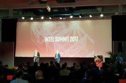 Da chipmaker a data company: la lenta trasformazione di Intel