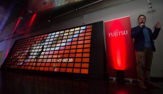 Fujitsu è nei GUINNESS WORLD RECORDS: in scena il più grande mosaico animato di tablet computer
