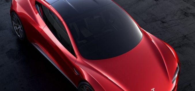 Tesla presenta il truck Semi e la sportiva Roadster