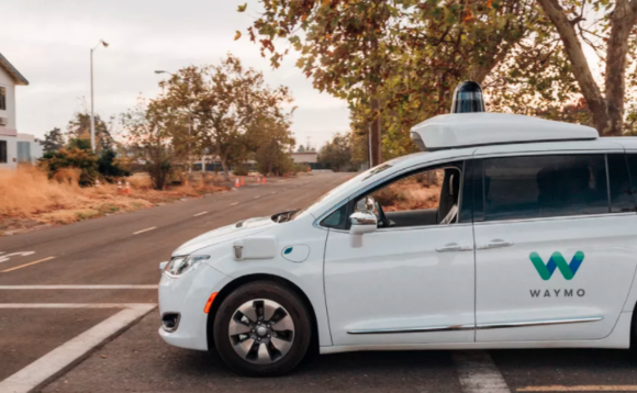 Le automobili di Waymo circoleranno in California