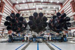 SpaceX presenta il suo razzo Falcon Heavy
